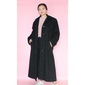 VTG 1980s Luxurious and Elegant Wool Coat